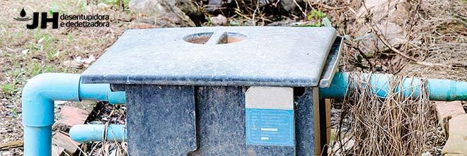 limpeza-de-caixa-de-gordura Você sabia que é muito importante limpar sempre a caixa de gordura?