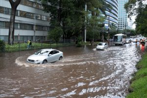 Alagamento-300x200 Águas Pluviais - você sabe o que significa?